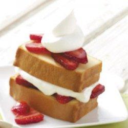 Strawberry Pound Cake Dessert recipe