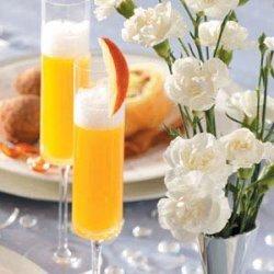 Sparkling Peach Bellinis recipe