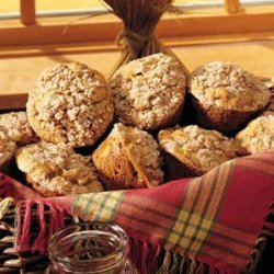 Pumpkin-Apple Muffins with Streusel Topping recipe