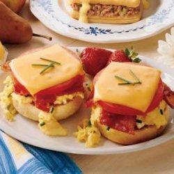 Bacon Breakfast Sandwiches recipe