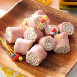 Ham 'N'  Cheese Pinwheels recipe