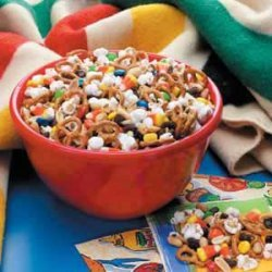 Sweet 'n' Salty Snack Mix recipe