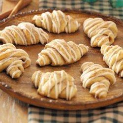 Cinnamon Crescent Rolls recipe