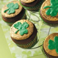 Chocolate-Mint Shamrock Cupcakes recipe