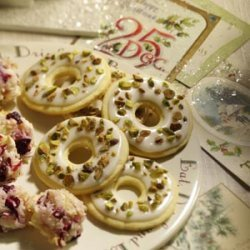 Lemon Pistachio Wreaths recipe