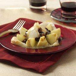 Phyllo Apples With Rum Raisin Sauce recipe