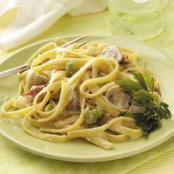 Fettuccine with Mushrooms and Tomatoes recipe