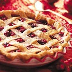 Home-Style Cran-Raspberry Pie recipe