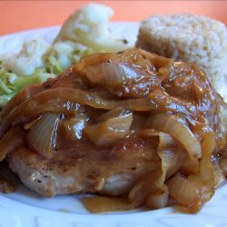 Pork Chops in Onion Sauce (Schweinekotelett in Zwiebelsosse) recipe