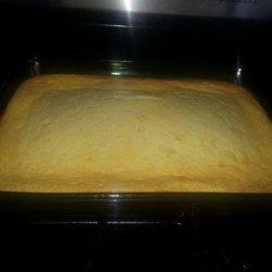 Extra Moist Cornbread with Sour Cream recipe