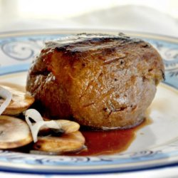 Filet Mignon With Mushroom-Wine Sauce - Light Version Weight Wat recipe