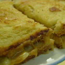 Elvis Presley's Grilled Peanut Butter and Banana Sandwich recipe