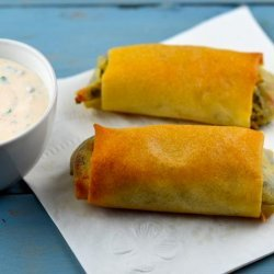 Cheesy Spinach and Potato Spring Rolls With Spicy Yogurt #RSC recipe