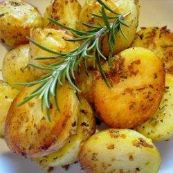 Garlic and Rosemary Roasted Potatoes recipe