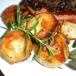 Garlic, Rosemary and Olive Oil Roasted Potatoes recipe