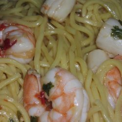 Sesame-Ginger Pasta With Shrimp and Scallops recipe