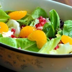 Green Salad With Pomegranate and Mandarin recipe