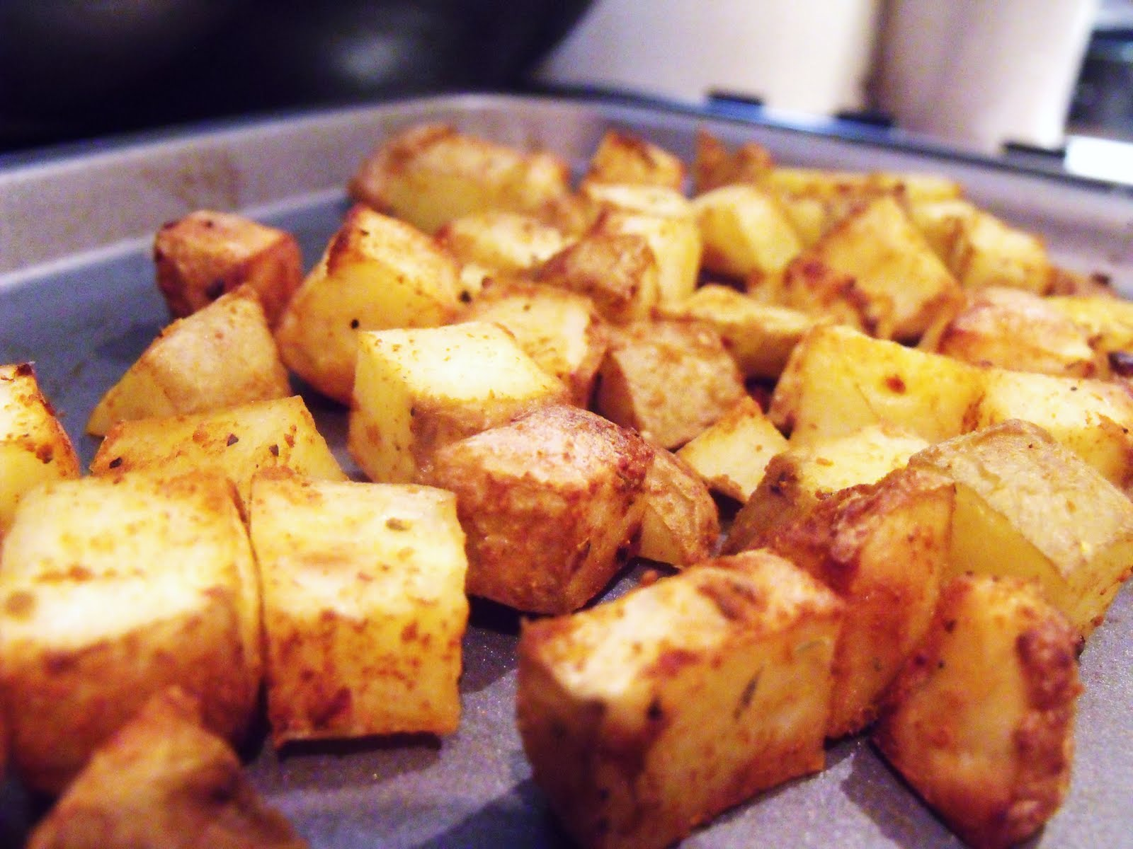 Crispy Roasted Potato Cubes with Garlic