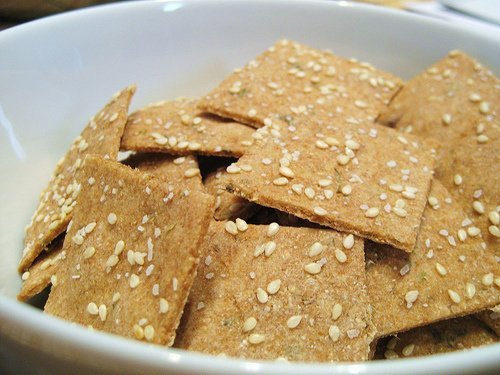 crackers, standard snack-type, regular usda Nutrition info