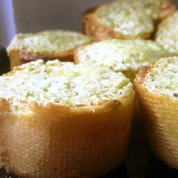 Basil Pesto Bread Rounds