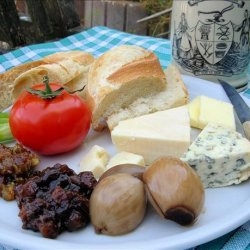 Traditional English Pub Style Ploughman's Lunch