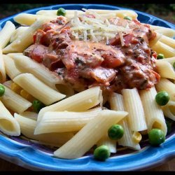 Pasta with Tomatoes, Peas and Cream