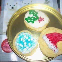 Iced Sugar Cookies (Cake-Like Cookies, Soft Icing)