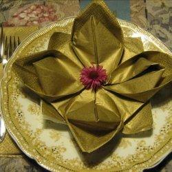 Serviette/Napkin Folding, Marie's Lily Pad Variation, Lotus