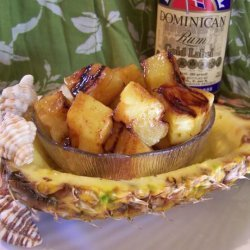 Broiled Pineapple With Rum Sauce