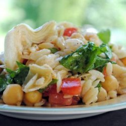 Greek Orzo Salad With Chickpeas & Artichoke Hearts