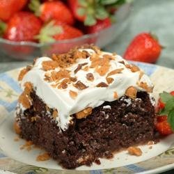 Chocolate Butterfinger-Caramel Cake