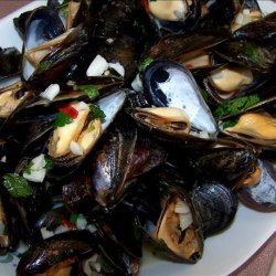 Steamed Garlic and Herb Mussels
