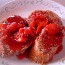 Pecan-Coated French Toast With Berry Sauce recipe