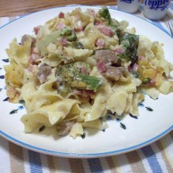 Rich and Cheesy Ham and Asparagus Noodle Casserole recipe