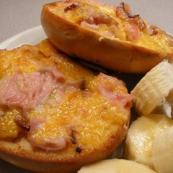 Ham and Cheese Pizza Mini-Bagels recipe