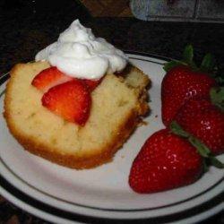 Strawberry Yogurt Pound Cake