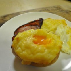 Eggs Baked in Potatoes