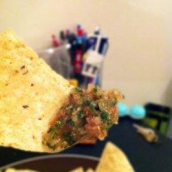 Chipotle Grill Inspired Tomatillo-Green Chili Salsa