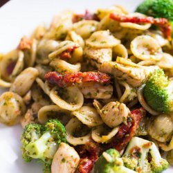Pasta with Chicken and Broccoli
