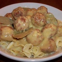 Easy Crockpot Meatballs and Gravy (Slow Cooker)