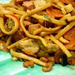 Bami Goreng ( Indonesian Stir Fried Noodles )