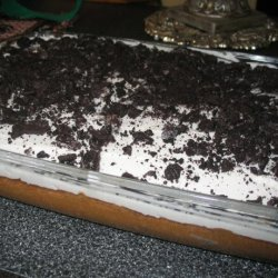 Oreo Cookies and Cream Cake With White Frosting