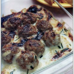 Meatballs in Sour Cream Sauce