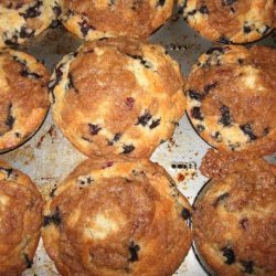 Best Easy Blueberry Crumb Muffins