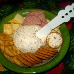 Bacon Cheddar Cheese Ball Spread
