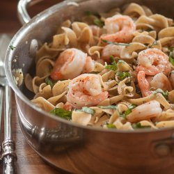 E-Z Shrimp and Basiled Pasta