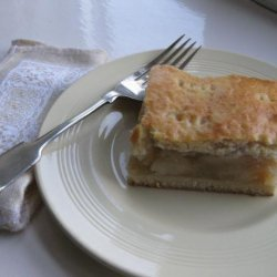 Almas Pite (Hungarian Apple Cake)