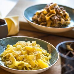 Tagliatelle With Caramelized Oranges and Almonds