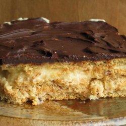 Easy Peanut Butter & Chocolate Eclair Dessert