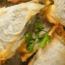 Spinach and 3 Cheese Phyllo Triangles
